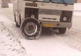 Появились фото с места ДТП с автобусом, на ходу потерявшим колесо под Воронежем