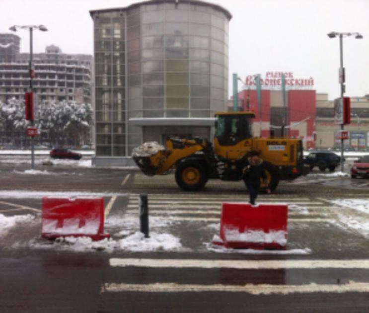 С воронежских дорог коммунальщики вывезли 5,5 тысяч кубометров снега