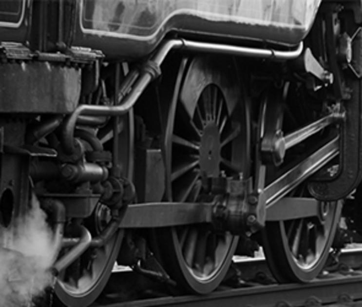 Девушка, отравившая ребенка уксусом, бросилась под поезд в Воронежской области