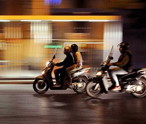 Воронежец за взятку участковому и пьяную езду на скутере заплатит 230 000 штрафа