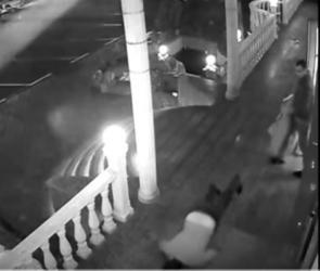 Обвиняемого в жестоком убийстве в воронежском кафе отправили под домашний арест