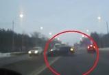 На видео попало авто, выехавшее на встречку и устроившее массовое ДТП в Воронеже