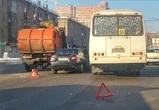 В Воронеже в аварию попали мусоровоз, автобус и две легковушки