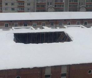В гаражном кооперативе на Бульваре Победы обвалилась крыша