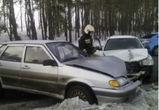 В Воронеже столкнулись «Хендай» и ВАЗ, пострадала женщина