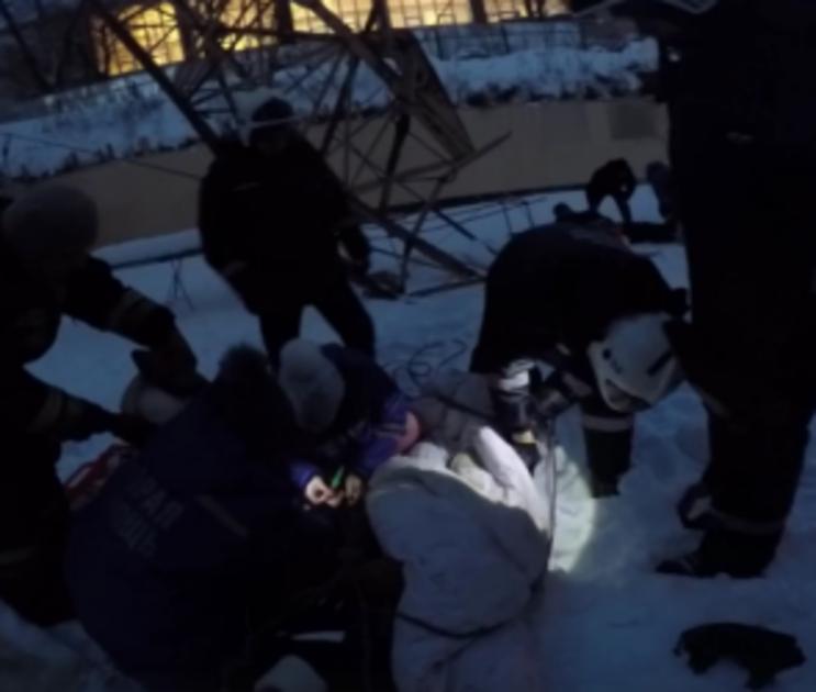 После падения мужчины с башенного крана в Воронеже завели уголовное дело