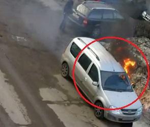 Поджог машины воронежского борца с автохамами Шамардина попал на видео