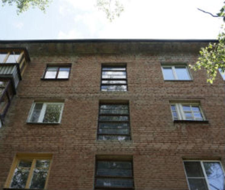 Воронежец погиб, сорвавшись с крыши пятиэтажки