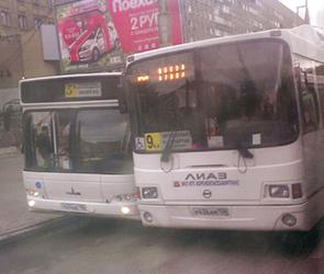 Опубликованы фото ДТП с двумя автобусами в центре Воронежа