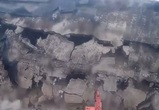 Видео обрушения старого дома на бизнес-центр и машину в Воронеже попало в Сеть
