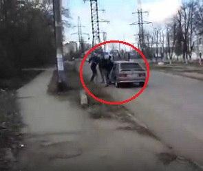 Разборки автомобилистов у Ротонды в Воронеже попали на видео