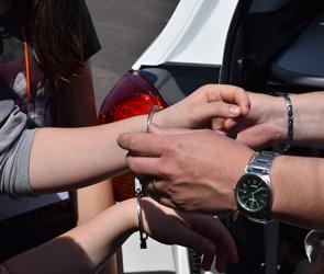 В Воронеже поймали грабительницу, обчистившую пьяную женщину на берегу Дона