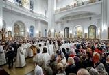 На пасхальное богослужение в Благовещенский собор пришли сотни воронежцев