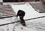 Воронежец прокатился на сноуборде по снегу, выпавшему 19 апреля