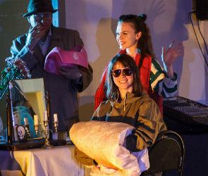 В Воронежском театре драмы поставили спектакль в трюме под сценой