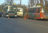 В Воронеже троллейбус и ПАЗик попали в ДТП, устроив гонки
