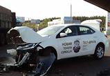 Появились фото ДТП у АЗС в Воронеже: столкнулись КамАЗ и Тойота на тест-драйве