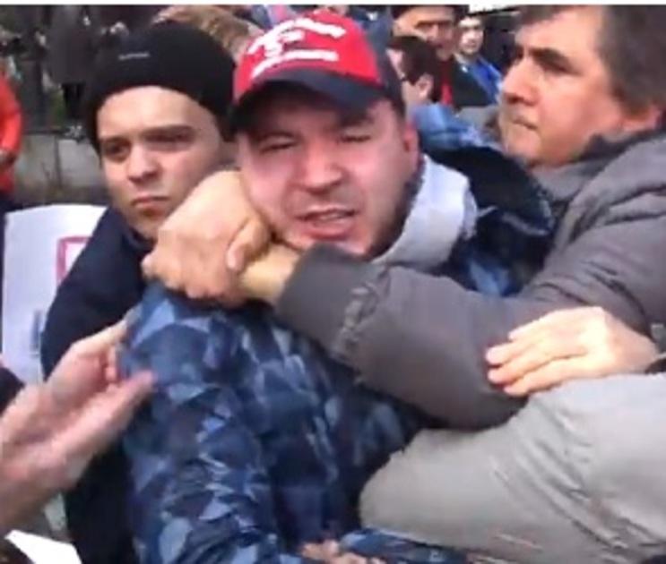 Суд не стал наказывать оппозиционера за нападение на активиста «Молодой Гвардии»