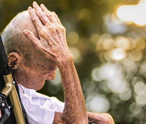 В Воронеже 81-летний пенсионер стал жертвой собственного сына-грабителя