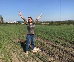 Анна Семенович занялась физкультурой в воронежском поле