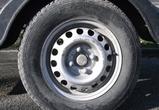 В Семилукском районе мужчина своровал автомобильные колеса и пропил их