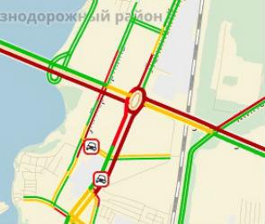 Из-за перекрытия нескольких улиц Левый берег Воронежа встал в пробках
