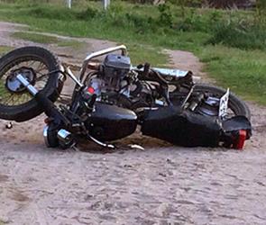 Под Воронежем разбились молодой мотоциклист и девушка