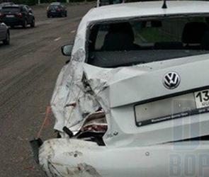 В Воронеже у «Динамо» маршрутный ПАЗ разнес вдребезги припаркованный Volkswagen