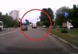 На видео попал наглый «газелист», едва не сбивший в Воронеже пешехода