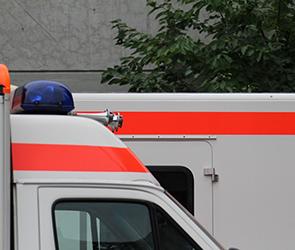 В Воронеже из-за стихийной парковки врачи «скорой» не успели спасти пациента