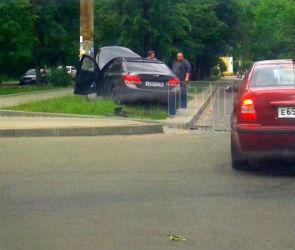 В центре Воронежа водитель «Шевроле» устроил массовое ДТП и врезался в столб