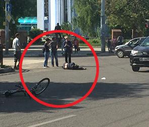 В Воронеже госпитализирован велосипедист, сбитый на переходе Тойотой