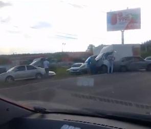 Последствия массового ДТП на Остужева попали на видео