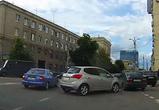 Воронежец опубликовал видео наглой парковки иномарки на площади Ленина