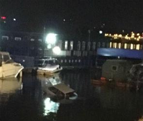 В воронежском водохранилище утонул ВАЗ