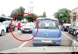 На видео сняли воронежца, едва не попавшего под колеса автомобилиста-нарушителя
