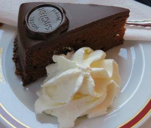 Простокваша и торт «Захер»: стали известны гастрономические запросы воронежцев