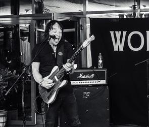 Концерт Wolf Mail в стейк-хаусе Panorama