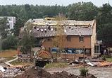 Воронежцы сняли фото и видео урагана, сорванной крыши и летящего мусорного бака