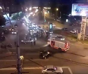 Опубликованы фото, видео и подробности ночного ДТП на Кольцовской в Воронеже