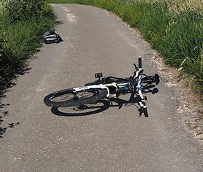 В Воронеже 10-летний велосипедист пострадал, попав под колеса Ауди А6