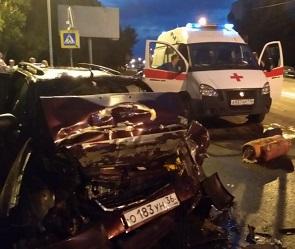 На Хользунова «Лада Приора» врезалась в асфальтоукладчик: водитель погиб