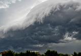 В сети публикуют фото удивительных грозовых облаков и молний над Воронежем