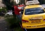 Очевидцы: Пьяный водитель «Яндекс Такси» протаранил забор в Воронеже
