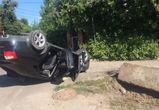 На переулке Здоровья перевернулась «Ауди» — водитель скрылся с места ДТП