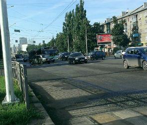 Авария спровоцировала пробку на Московском проспекте в Воронеже
