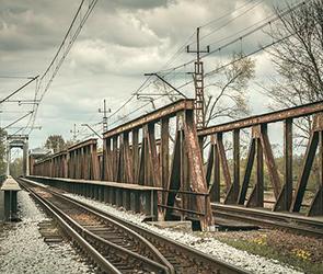 СКР расследует гибель подростка от удара током на железной дороге под Воронежем
