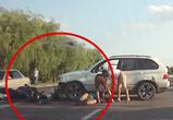 Появилось видео аварии с БМВ и мотоциклом около ГИБДД на Обручева в Воронеже