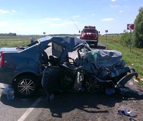 Появились фото ДТП под Воронежем: ранены водители и ребенок, погибла женщина
