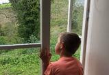 СКР: в семье, где мальчик утонул в ванной, ранее старший ребенок выпал из окна